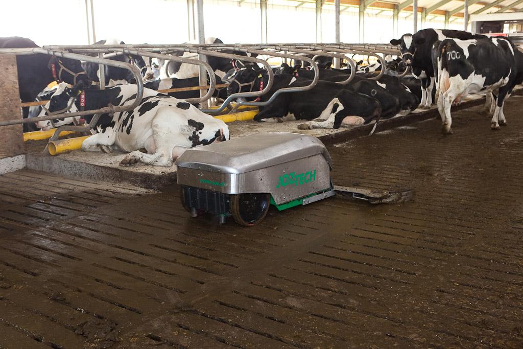 Robot Scraper - Cookstown Dairy Services